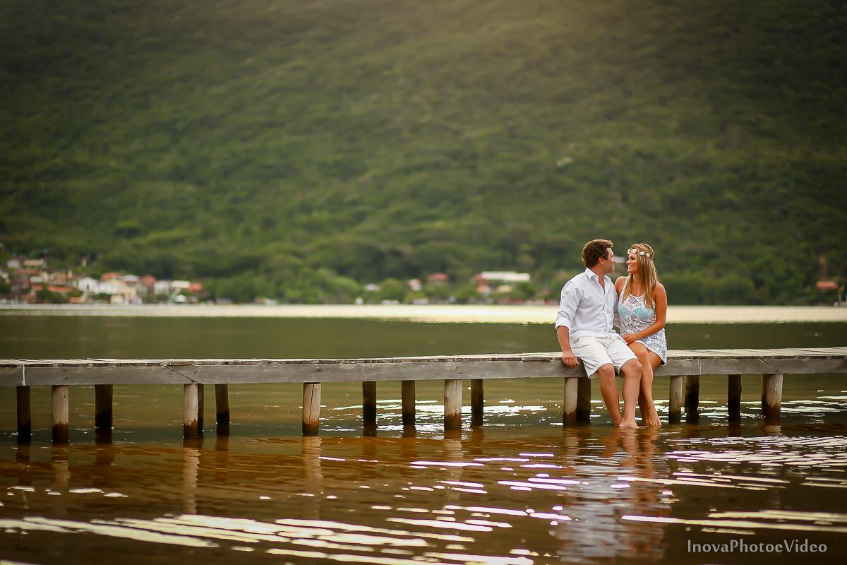 costa-da-lagoa-antonio-lais-amor-paixão-pre-wedding-ensaio-pre-casamento-floripa-lagoa-trapiche-casal