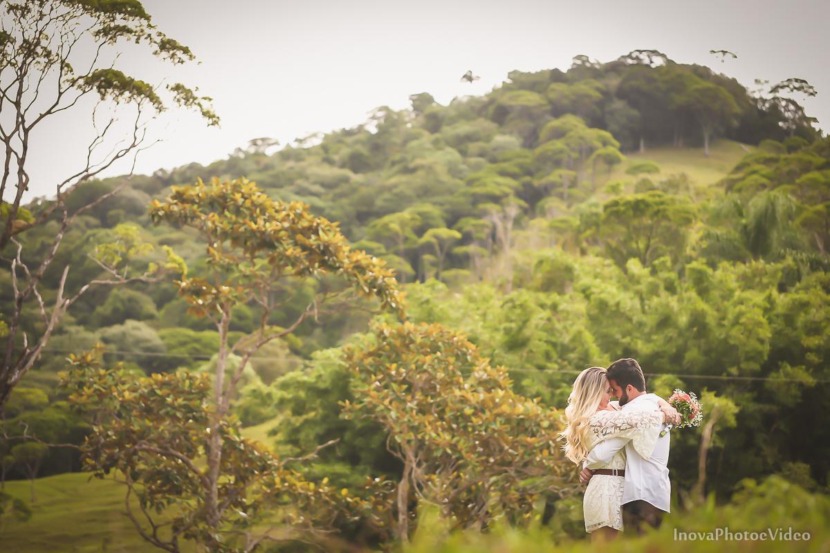 ensaio-pre-wedding-Thayse-Muriel-Sitio-Natureza-Antônio-Carlos-SC-Noivos-inova-photo-video-casamento-namorados