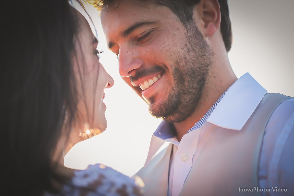 trash-the-dress-rubnei-leonara-governador-celso-ramos-amanhecer-nascer-do-sol-praia-inova-photo-fotografia-casamento-wedding-noivos-casal-vestido-de-noiva-bride-noivo-buque-vestido-de-noiva-olhares