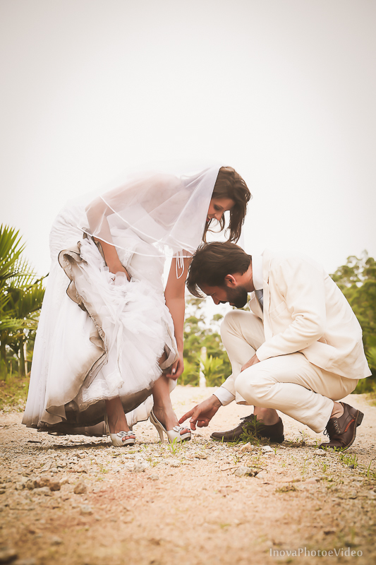 trash-the-dress-sitio-Antônio-Carlos-SC-vestido-noiva-noivos-casal-wedding-photo-fotografia-Phillip-Daniela