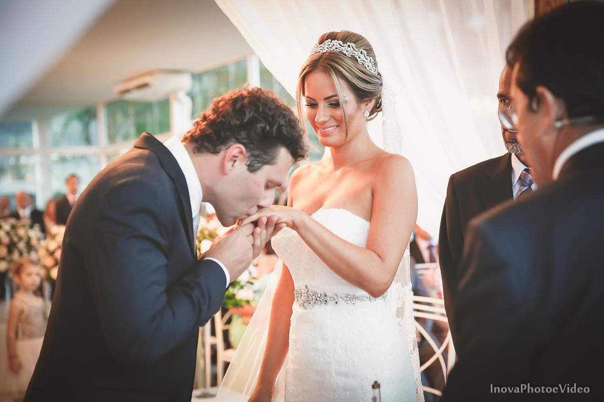 casamento-Antônio-Lais-Lic-Floripa-SC-Brasil-Wedding-alianças-sim-votos-beijo
