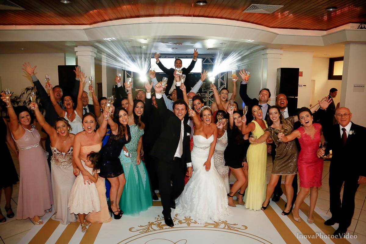 casamento-Antônio-Lais-Lic-Floripa-SC-Brasil-Wedding--retrato-recepção-alegria-família-madrinhas-padrinhos-convidados