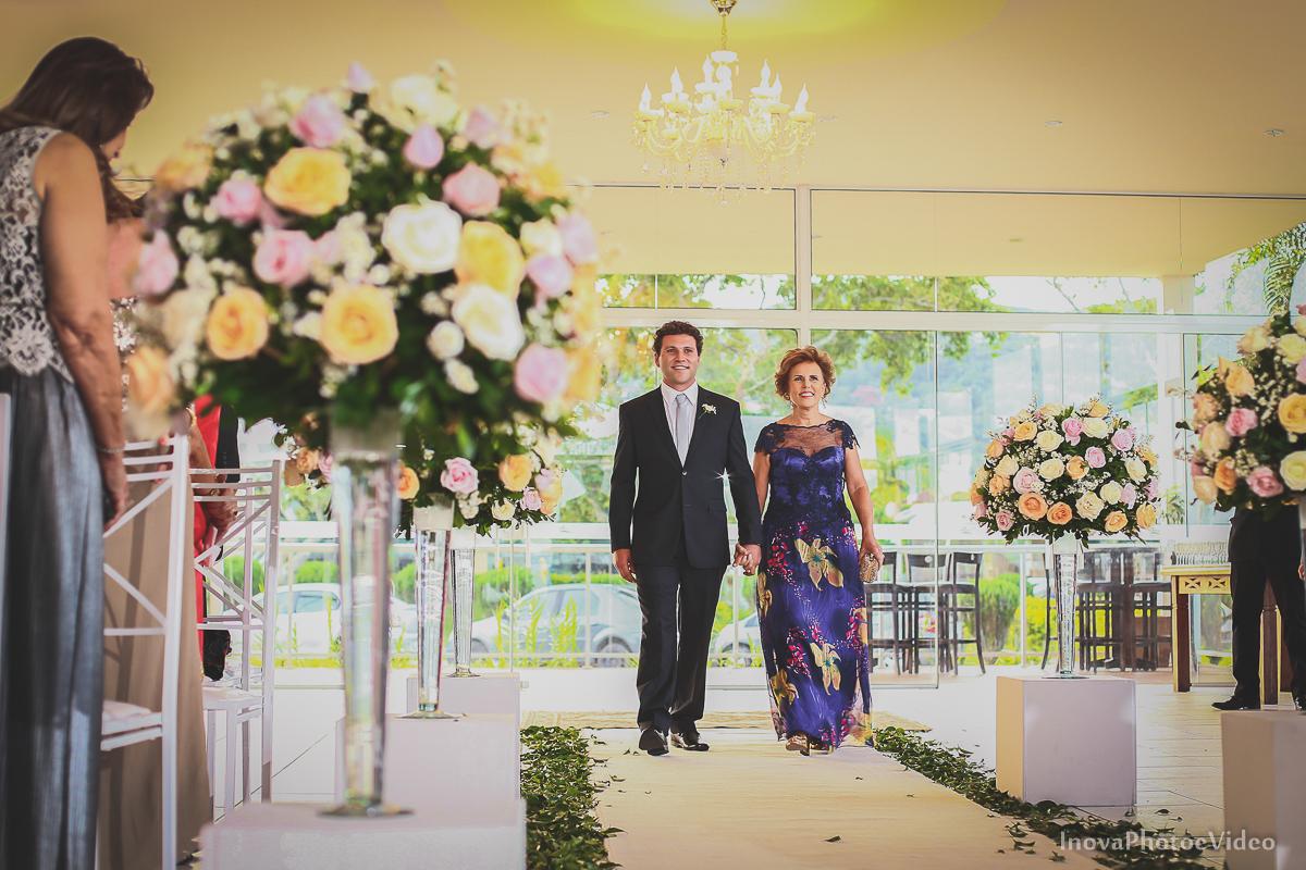 casamento-Antônio-Lais-Lic-Floripa-SC-Brasil-Wedding-entrada-noivo