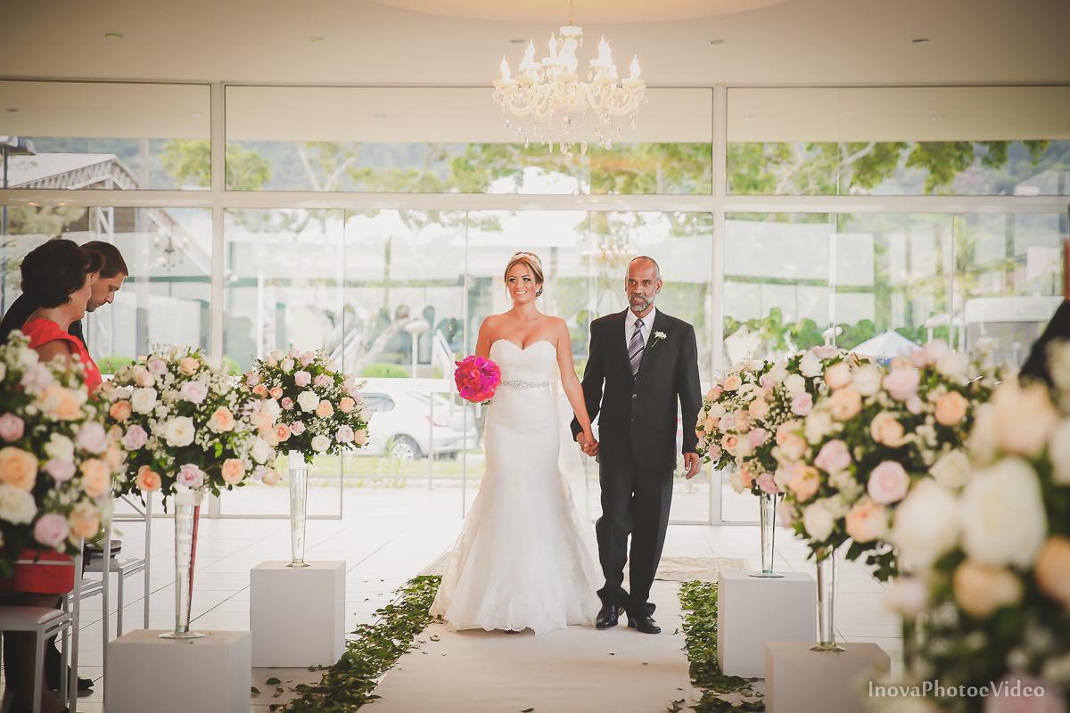 casamento-Antônio-Lais-Lic-Floripa-SC-Brasil-Wedding-entrada-noiva