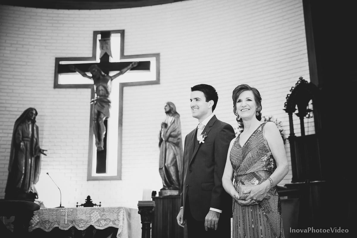 wedding-Magestic-Hotel-Florianópolis-Rodrigo-Silvana-Igreja-Colégio-Catarinense-Fine-Cabelereiros-Inova-Photo-Bride-noivos-casamento-casal-amor-altar-noivo-mãe