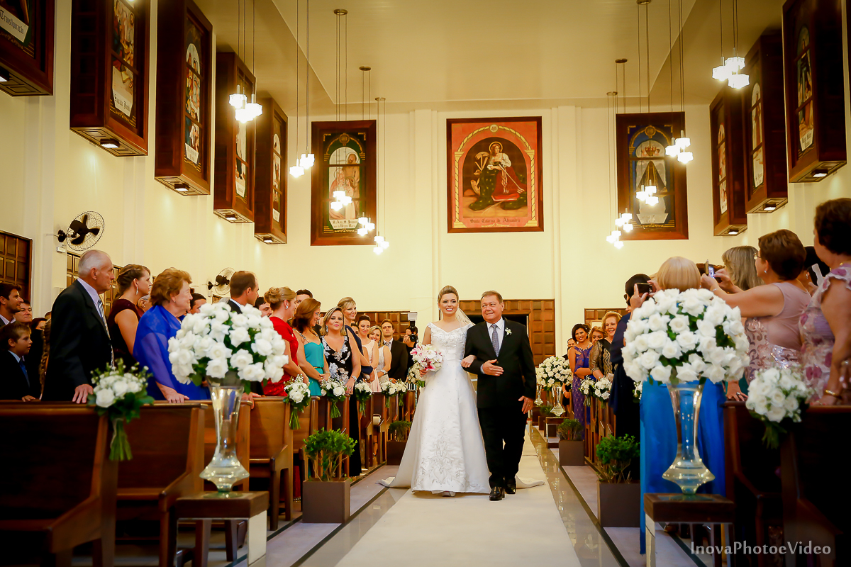 wedding-Magestic-Hotel-Florianópolis-Rodrigo-Silvana-Igreja-Colégio-Catarinense-Fine-Cabelereiros-Inova-Photo-Bride-noivos-casamento-casal-amor-entrada-noiva-pai