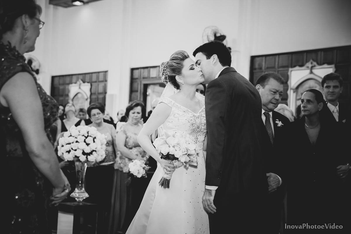 wedding-Magestic-Hotel-Florianópolis-Rodrigo-Silvana-Igreja-Colégio-Catarinense-Fine-Cabelereiros-Inova-Photo-Bride-noivos-casamento-casal-amor-noivos-encontro-carinho-beijo