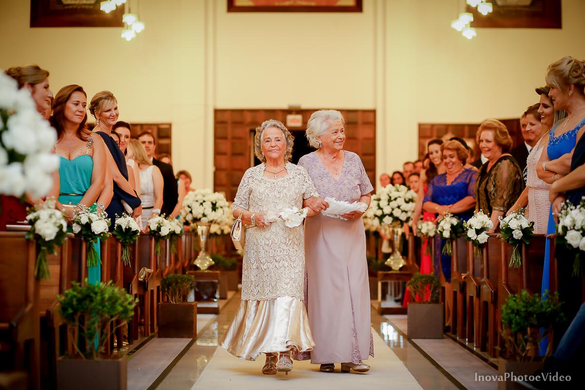 wedding-Magestic-Hotel-Florianópolis-Rodrigo-Silvana-Igreja-Colégio-Catarinense-Fine-Cabelereiros-Inova-Photo-Bride-noivos-casamento-casal-amor-entrada-alianças-vovós-avós-cerimonia