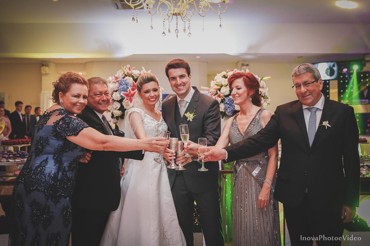 wedding-Magestic-Hotel-Florianópolis-Rodrigo-Silvana-Igreja-Colégio-Catarinense-Fine-Cabelereiros-Inova-Photo-Bride-noivos-casamento-casal-amor-recepção-brinde