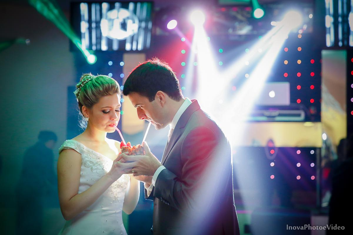 Paula-Ramos-wedding-Magestic-Hotel-Florianópolis-Rodrigo-Silvana-Igreja-Colégio-Catarinense-Fine-Cabelereiros-Inova-Photo-Bride-noivos-casamento-casal-amor-valsa-noivos-brinde-coquetel