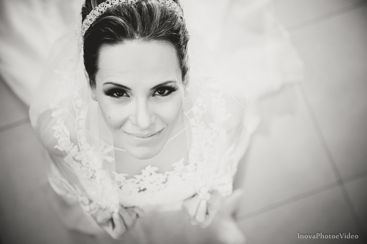 wedding-Renato-Fabricia-casamento-matriz-Biguaçu-SC-inova-photo-video-making-of-noiva-vestido-aletiê