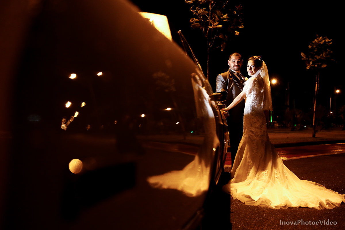 wedding-Renato-Fabricia-casamento-matriz-Biguaçu-SC-inova-photo-video-cerimonia-retratos-carro-antigo