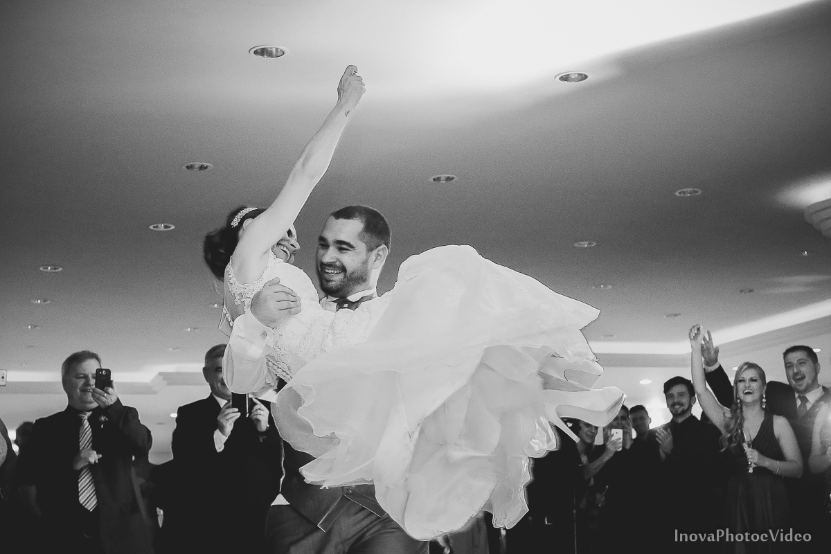 wedding-Renato-Fabricia-casamento-matriz-Biguaçu-SC-inova-photo-video-recepcao--danca-valsa