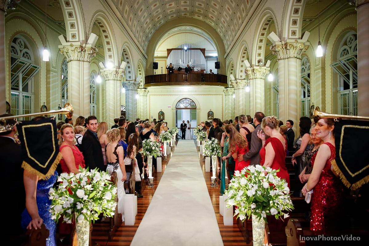 Wedding-Casamento-Photographer-Coracao-de-Jesus-Guaciara-Florianópolis-Ponte-Hercilio-Luz-photo-inova-photo-video-Marcus-Christiane-Cerimonia-noiva-entrada