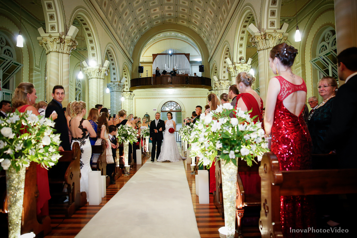 Wedding-Casamento-Photographer-Coracao-de-Jesus-Guaciara-Florianópolis-Ponte-Hercilio-Luz-photo-inova-photo-video-Marcus-Christiane-Cerimonia-entrada-noiva