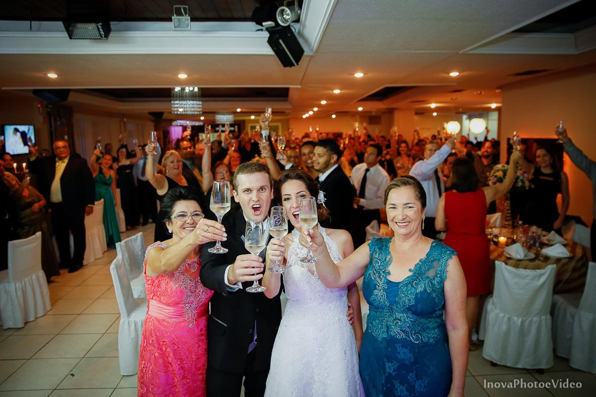 Wedding-Casamento-Photographer-Coracao-de-Jesus-Guaciara-Florianópolis-Ponte-Hercilio-Luz-photo-inova-photo-video-Marcus-Christiane-recepcao-brinde-maes