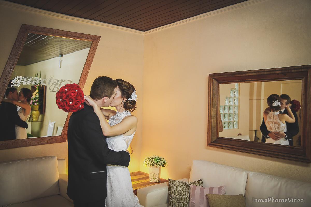 Wedding-Casamento-Photographer-Coracao-de-Jesus-Guaciara-Florianópolis-Ponte-Hercilio-Luz-photo-inova-photo-video-Marcus-Christiane-recepcao-beijo-espelhos