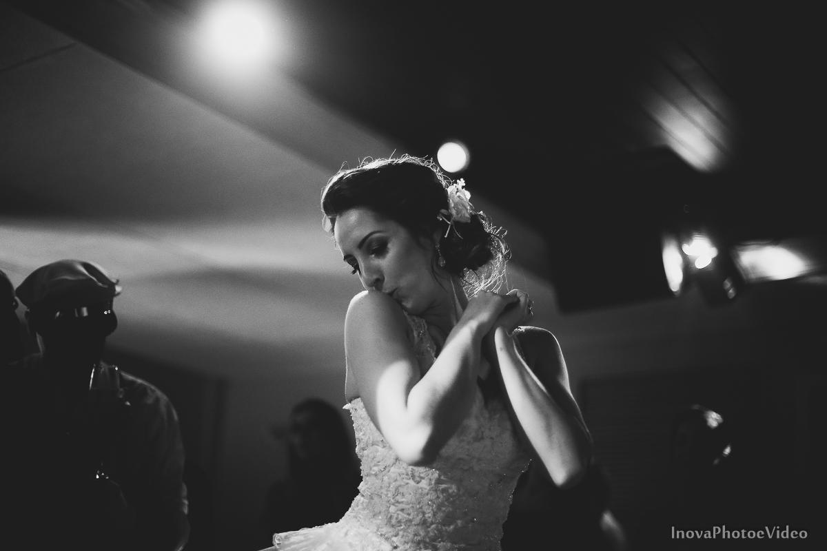 Wedding-Casamento-Photographer-Coracao-de-Jesus-Guaciara-Florianópolis-Ponte-Hercilio-Luz-photo-inova-photo-video-Marcus-Christiane-recepcao-festa-beijinho-no-ombro