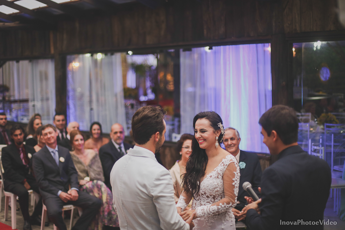 wedding-casamento-Rubnei-Leonara-Sitio-das-Figueiras-Biguaçu-SC-noivos-casados-campo-casa-inova-photo-video-cerimonia-votos-vestido-de-noiva