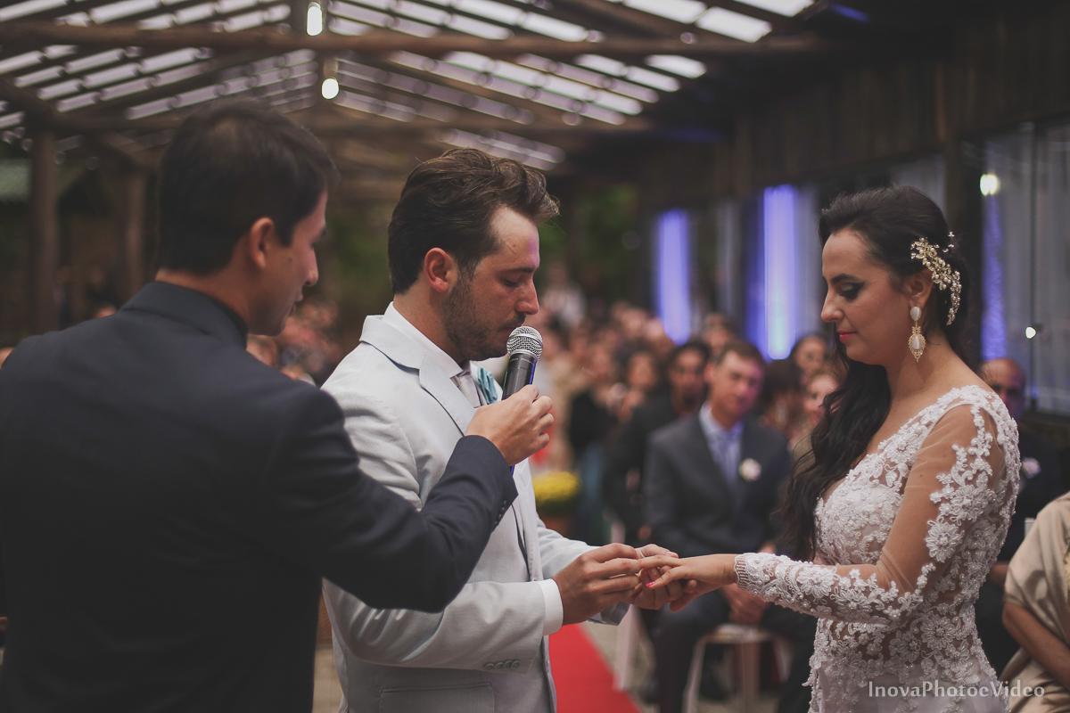 wedding-casamento-Rubnei-Leonara-Sitio-das-Figueiras-Biguaçu-SC-noivos-casados-campo-casa-inova-photo-video-cerimonia-