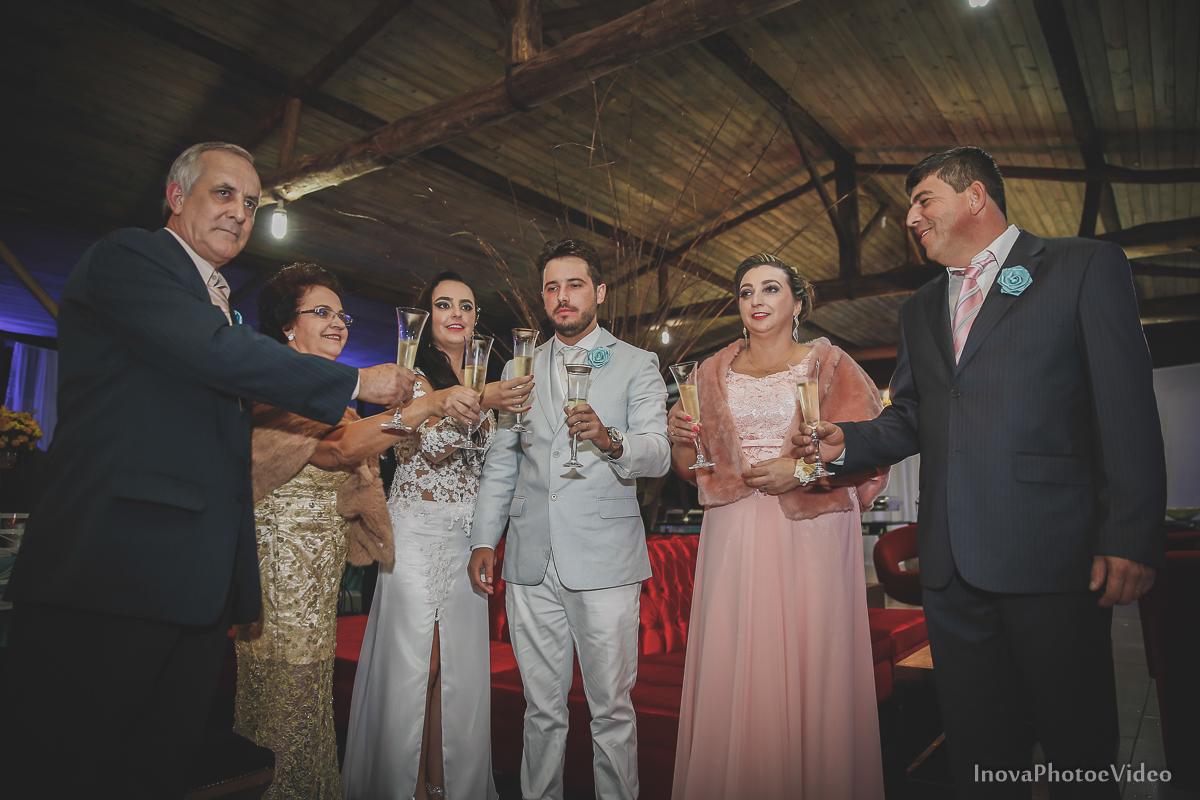 wedding-casamento-Rubnei-Leonara-Sitio-das-Figueiras-Biguaçu-SC-noivos-casados-campo-casa-inova-photo-video-recepcao-brnde-pais