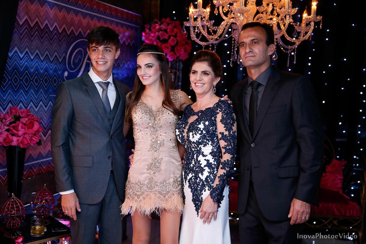 Festa-15-Anos-Teen-Rafaela-Jacob-Biguaçu-Decoracao-Luciana-mazzini-retrato-pais