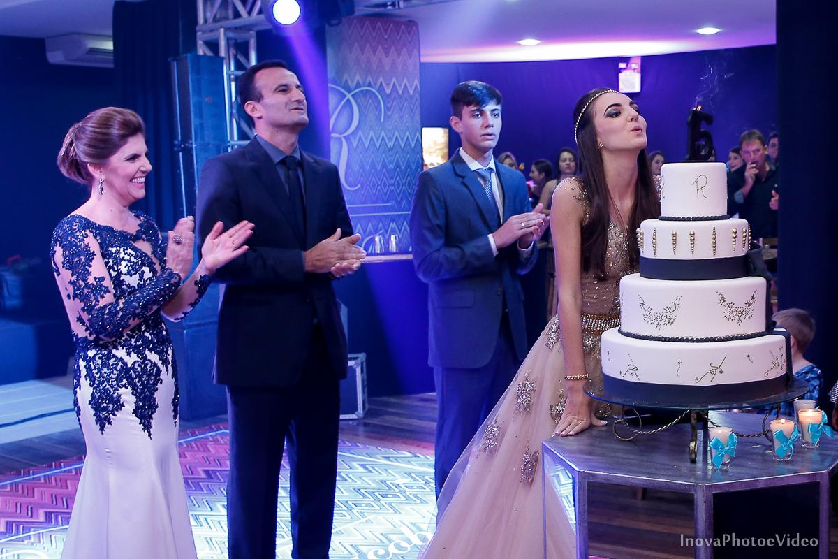 Festa-15-Anos-Teen-Rafaela-Jacob-Biguaçu-Decoracao-Luciana-mazzini-retrato-bolo