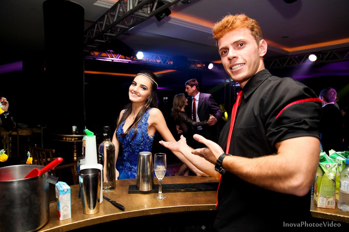 Festa-15-Anos-Teen-Rafaela-Jacob-Biguaçu-Decoracao-Luciana-mazzini-retrato-bartender