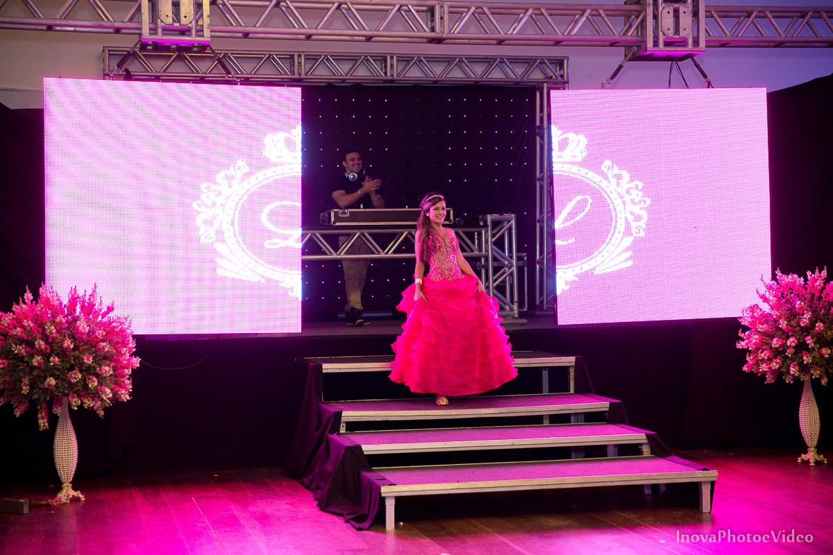 Festa-de-15-anos-Larissa-Mendes-Primeiro-de-Junho-Sao-Jose-SC-Douglas-e-Luciano-Dj-Eduardo-Isaac-teen-Debutante-Inova-Photo-Video-Fotografia-Beleza-moda-recepcao-entrada