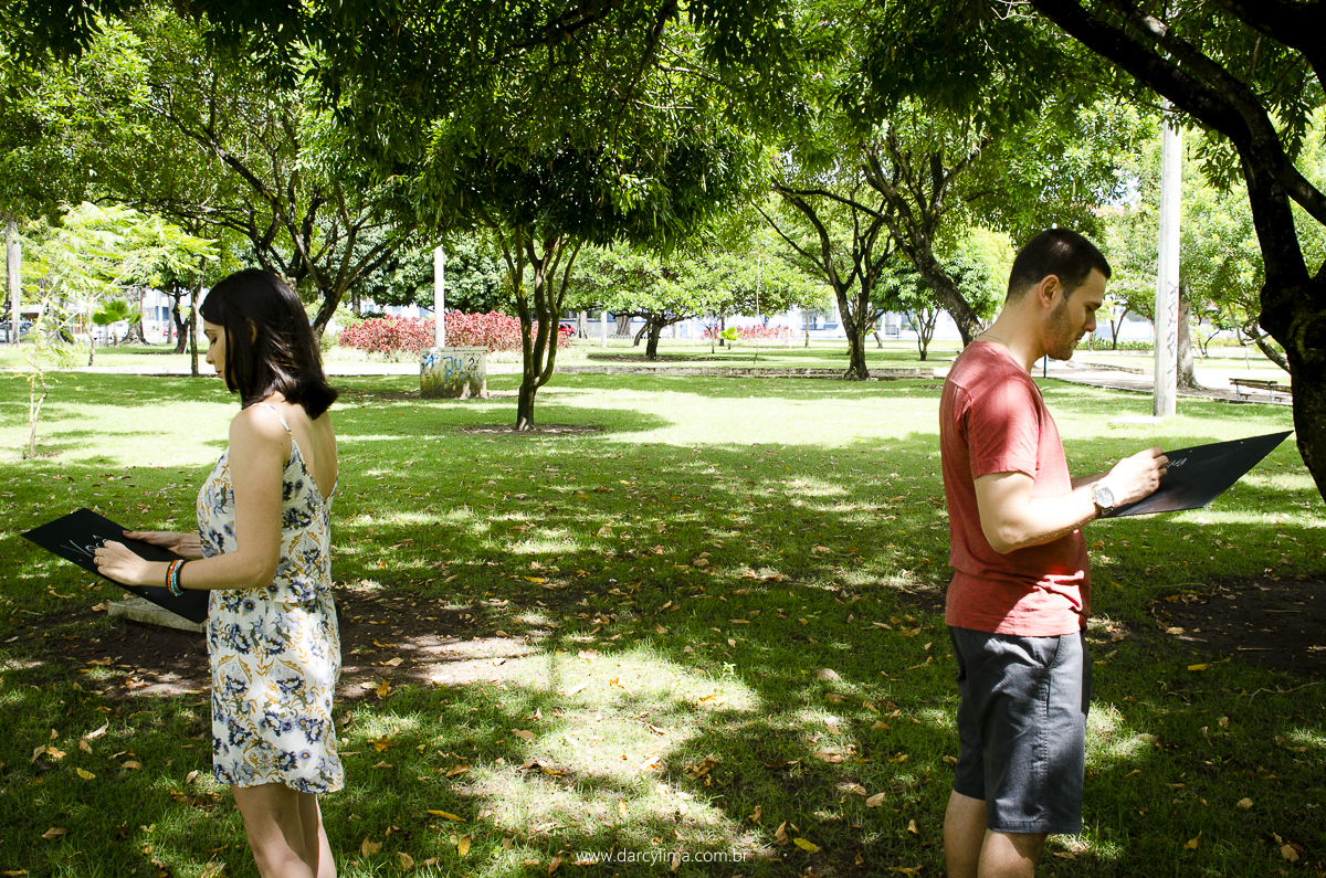 casal participante de jogo de respostas