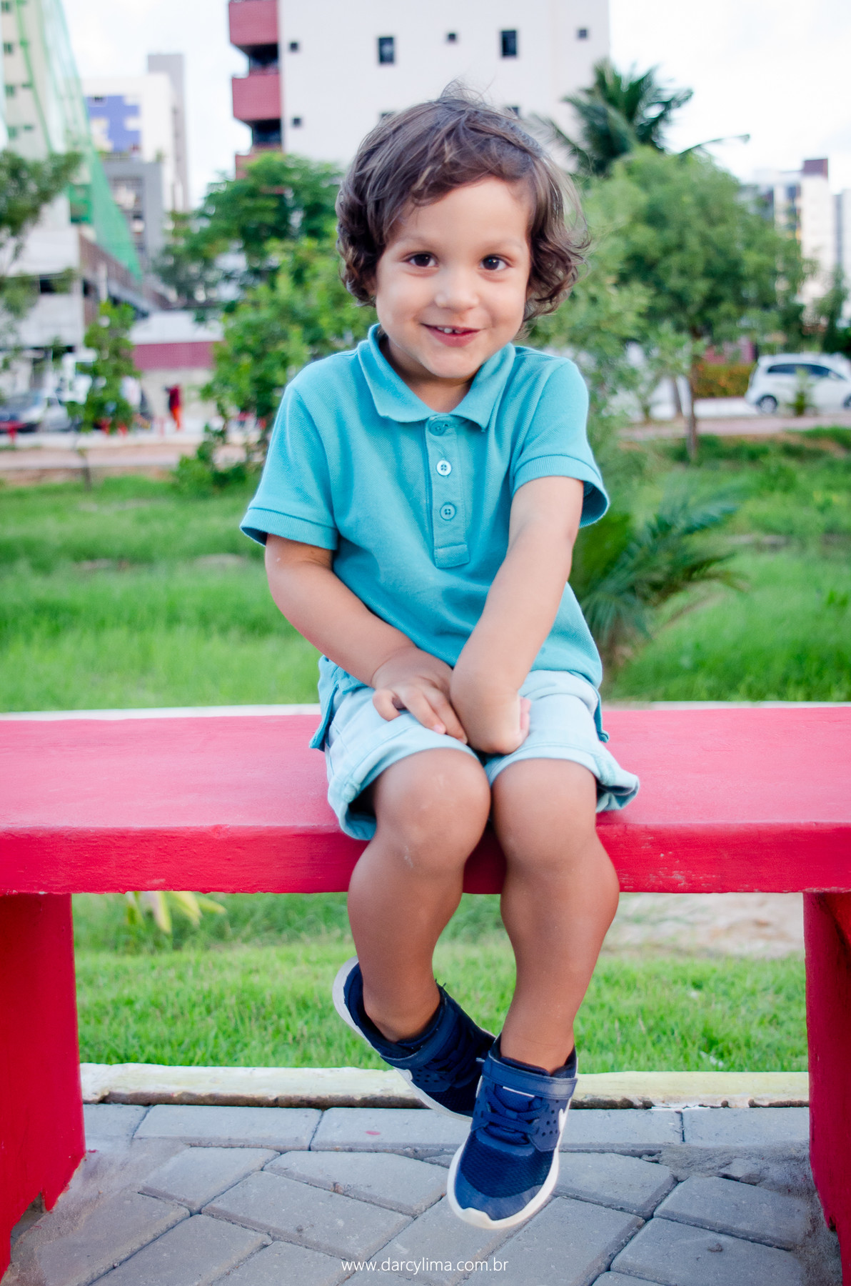 retrato de criança no parque