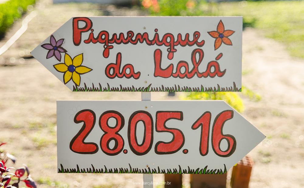 placa de sinalização da festa
