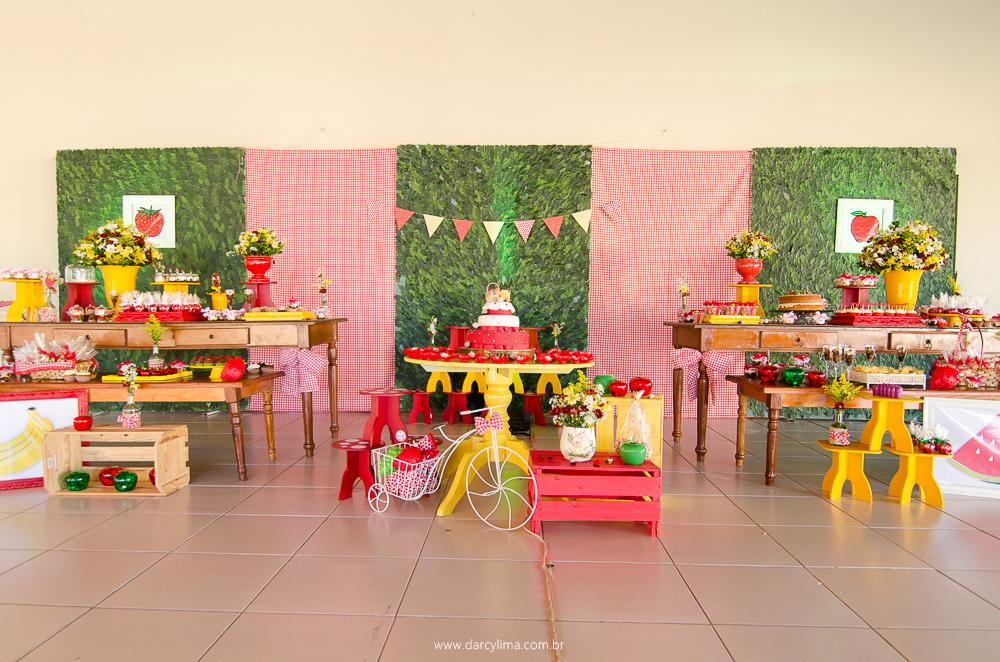 decoração e mesa do bolo