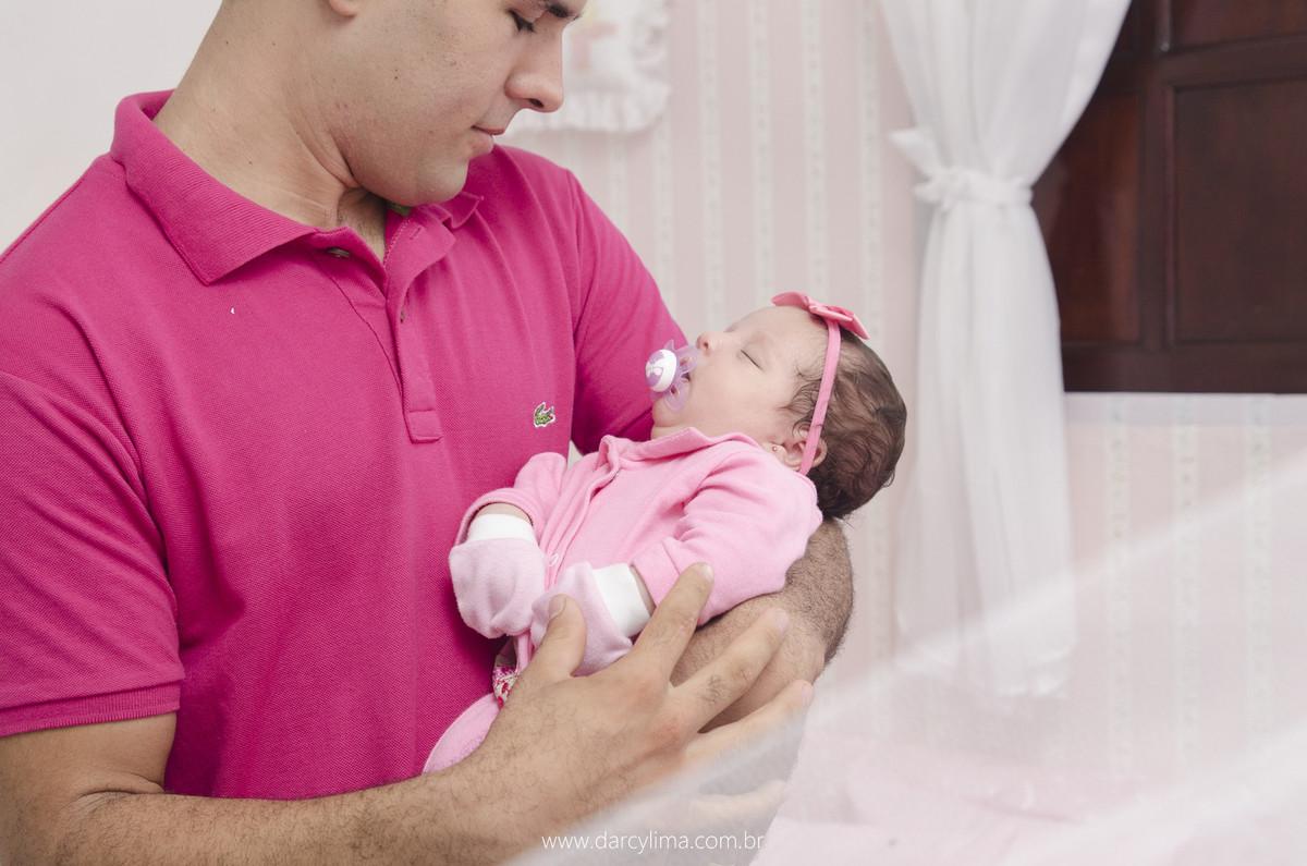 fotografia do pai com a bebe