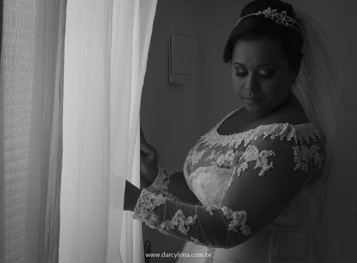 retrato da noiva ja vestida durante o seu making of