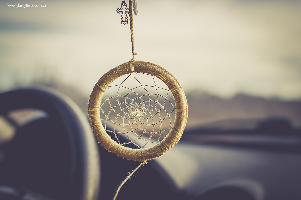 foto de uma mandala dentro do carro