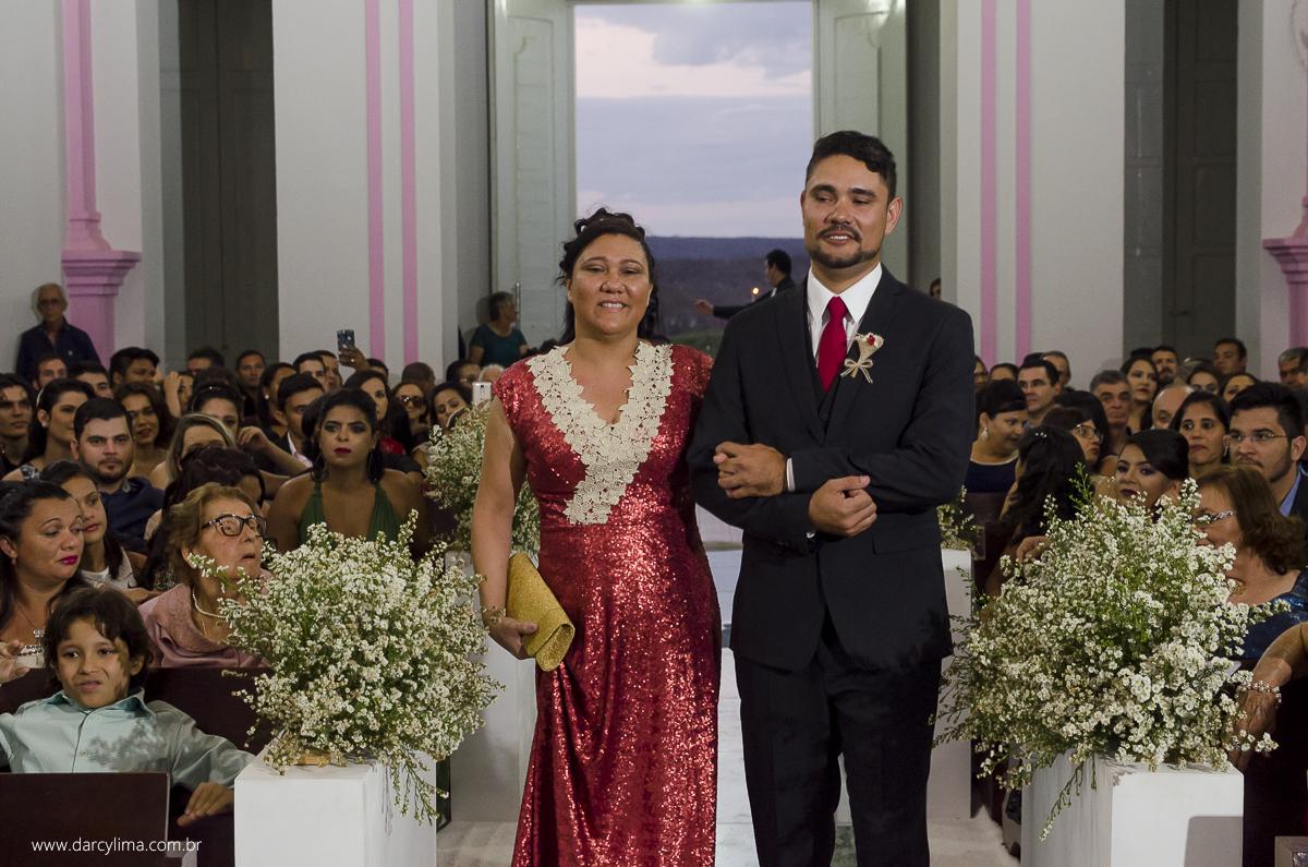entrada do noivo na igreja