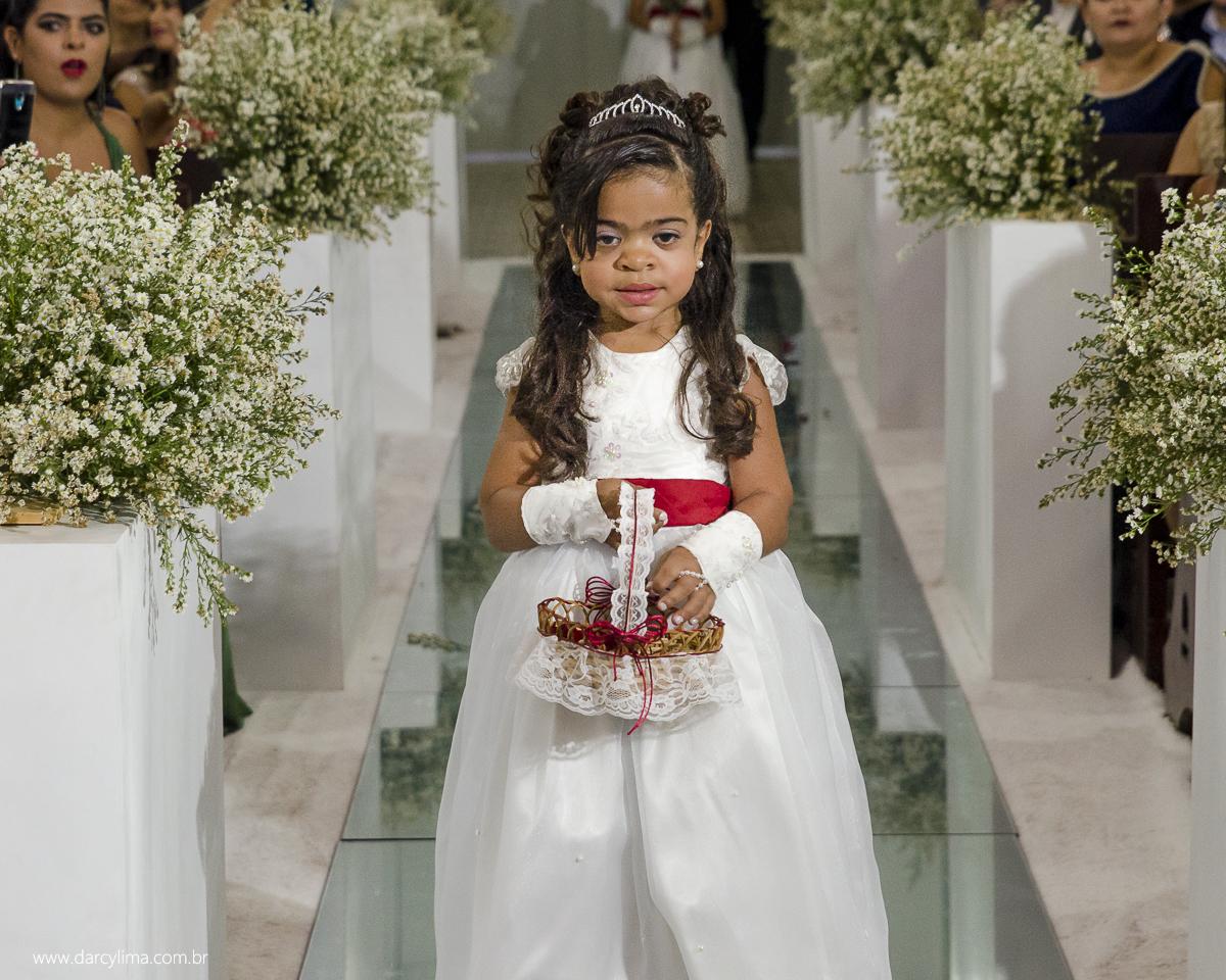entrada das crianças na igreja