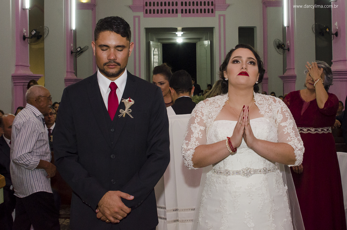 noivos rezando