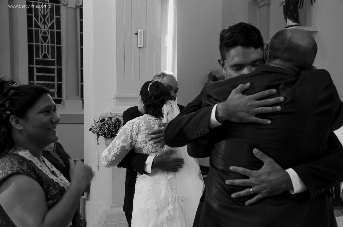 a força dos pais para os noivos