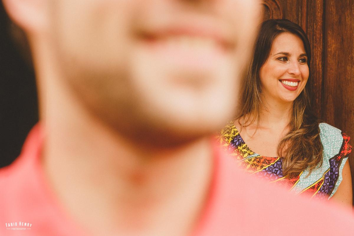 noiva olhando para o noivo com olhar de apaixonada