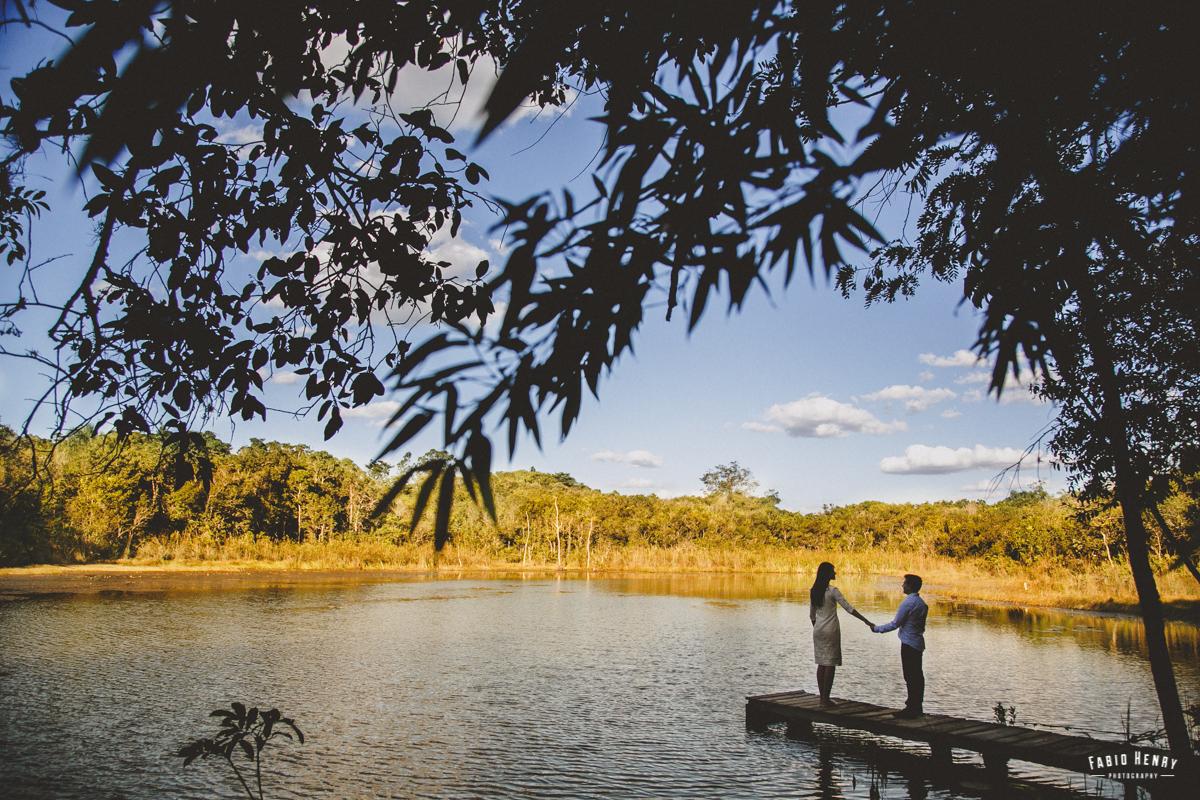 foto silhueta na lagoa