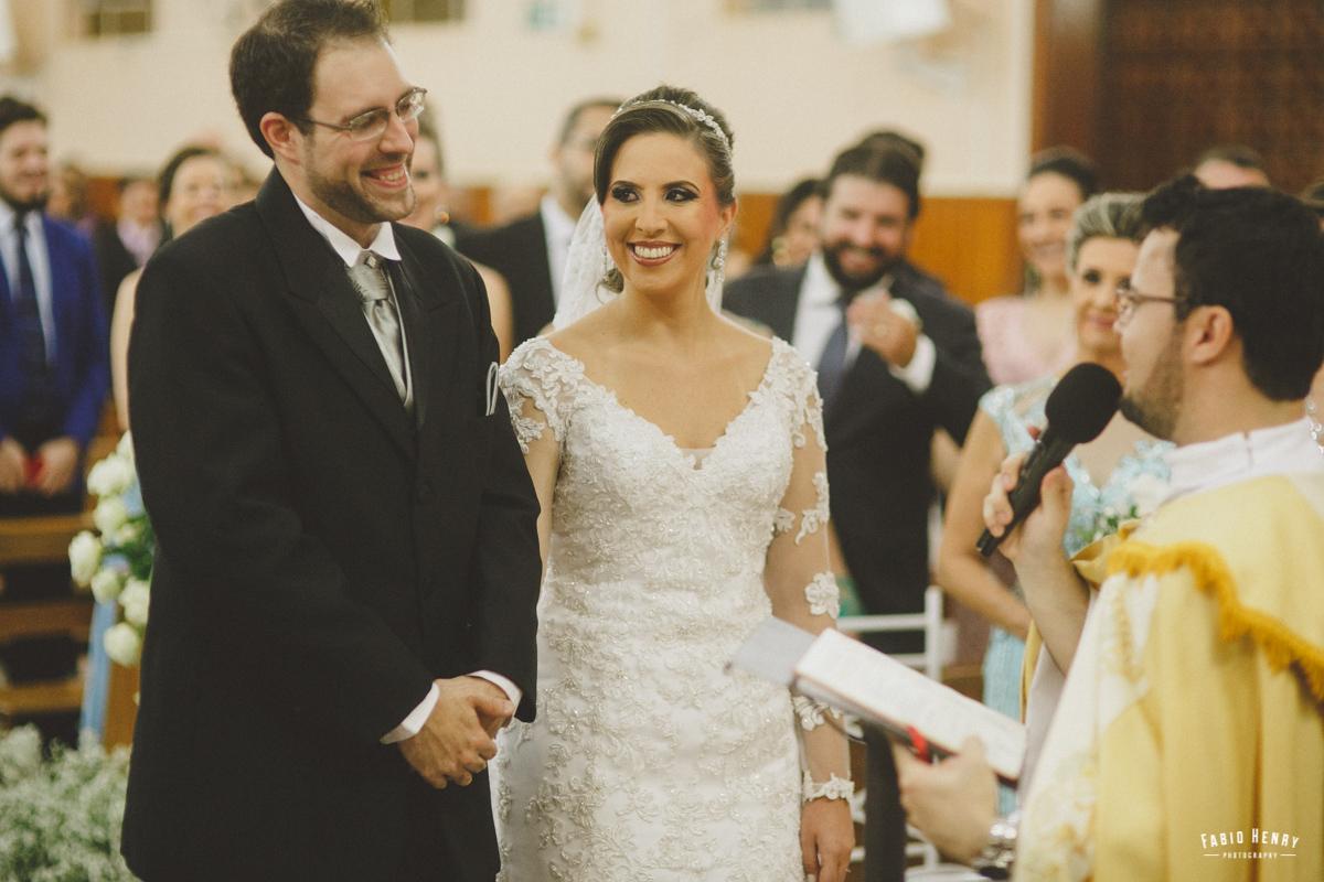 sorriso do noivo