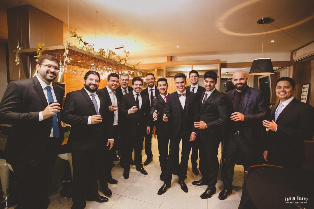 brinde do noivo com padrinhos