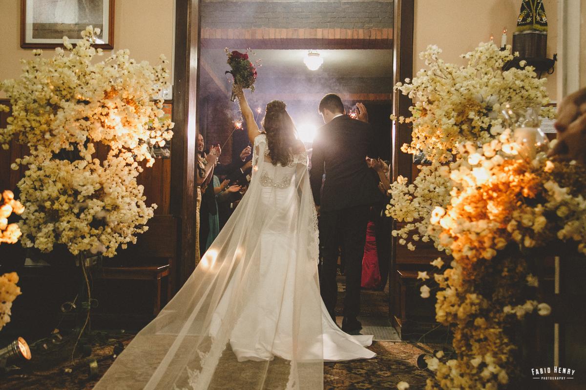saida do casal na cerimonia