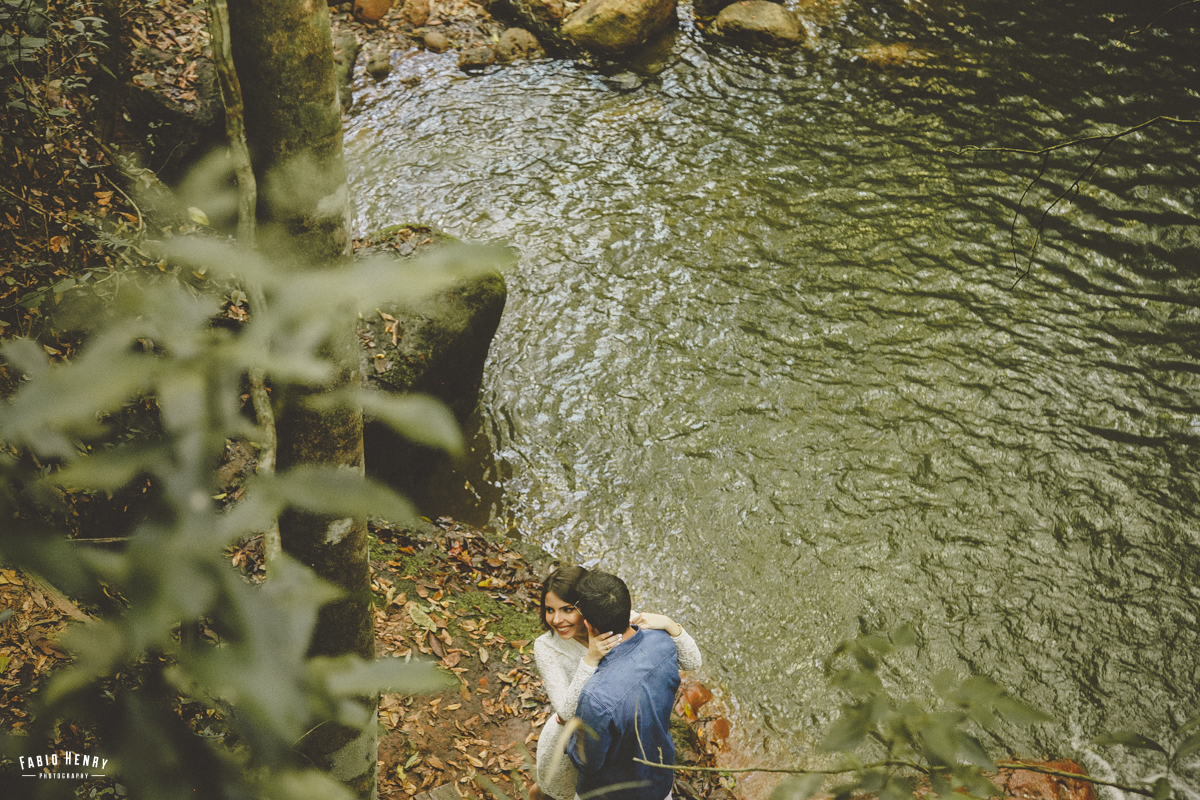 foto de casal na cachoeira