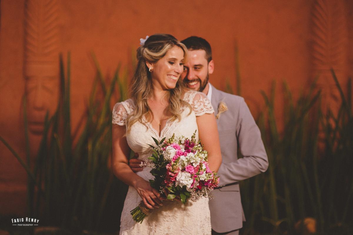 fotos pousadas dos noivos