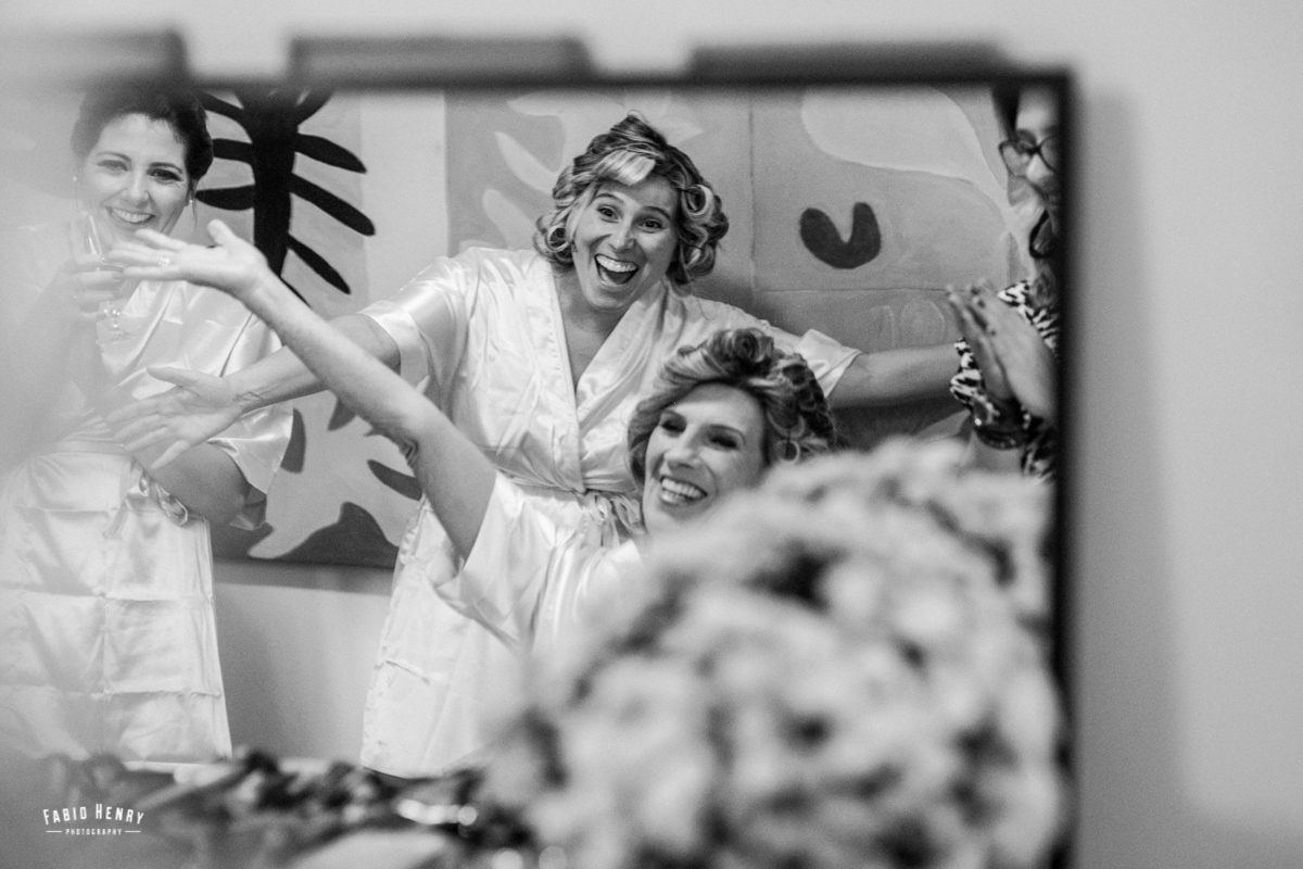 Noiva e mãe felizes