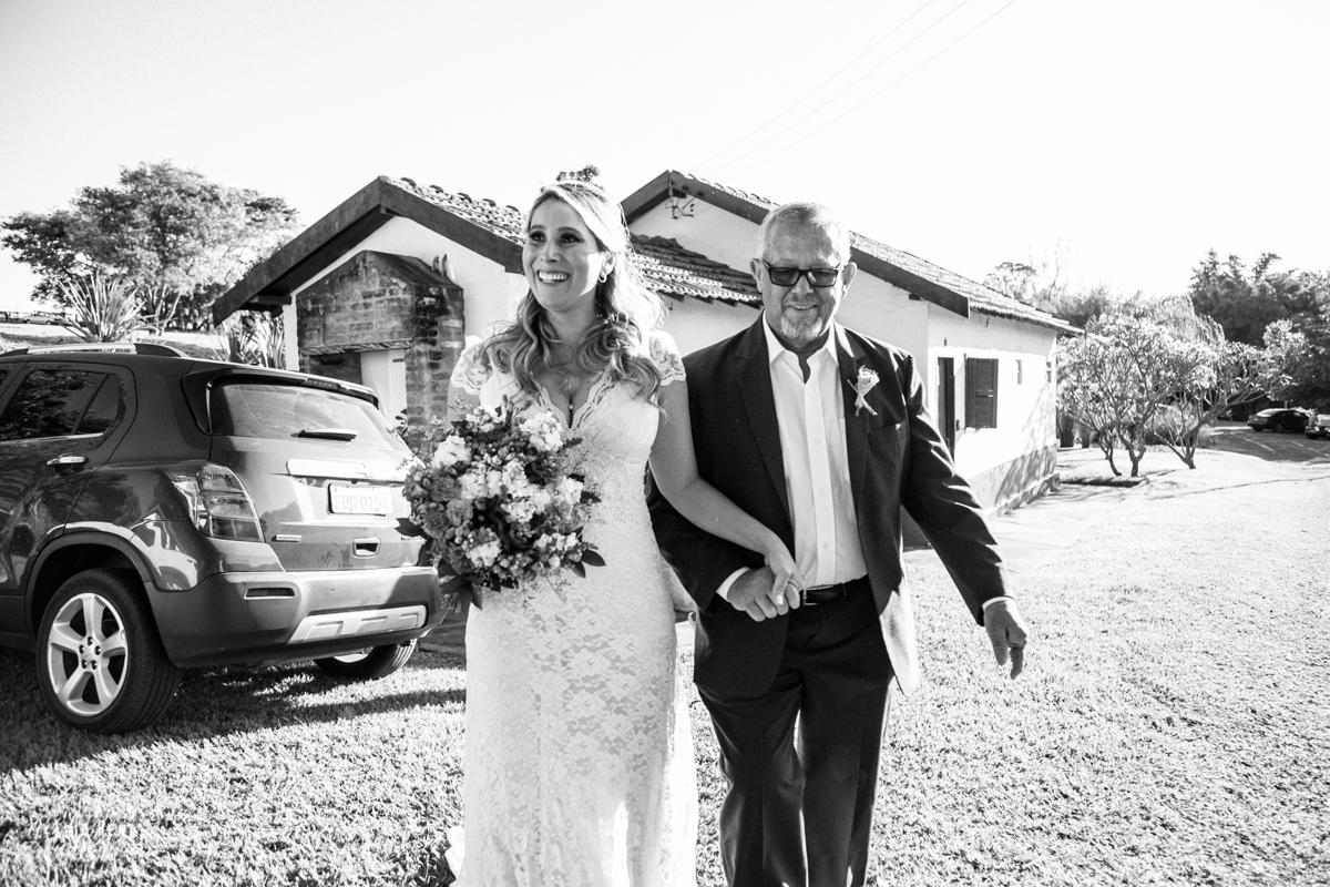 noiva indo para seu casamento