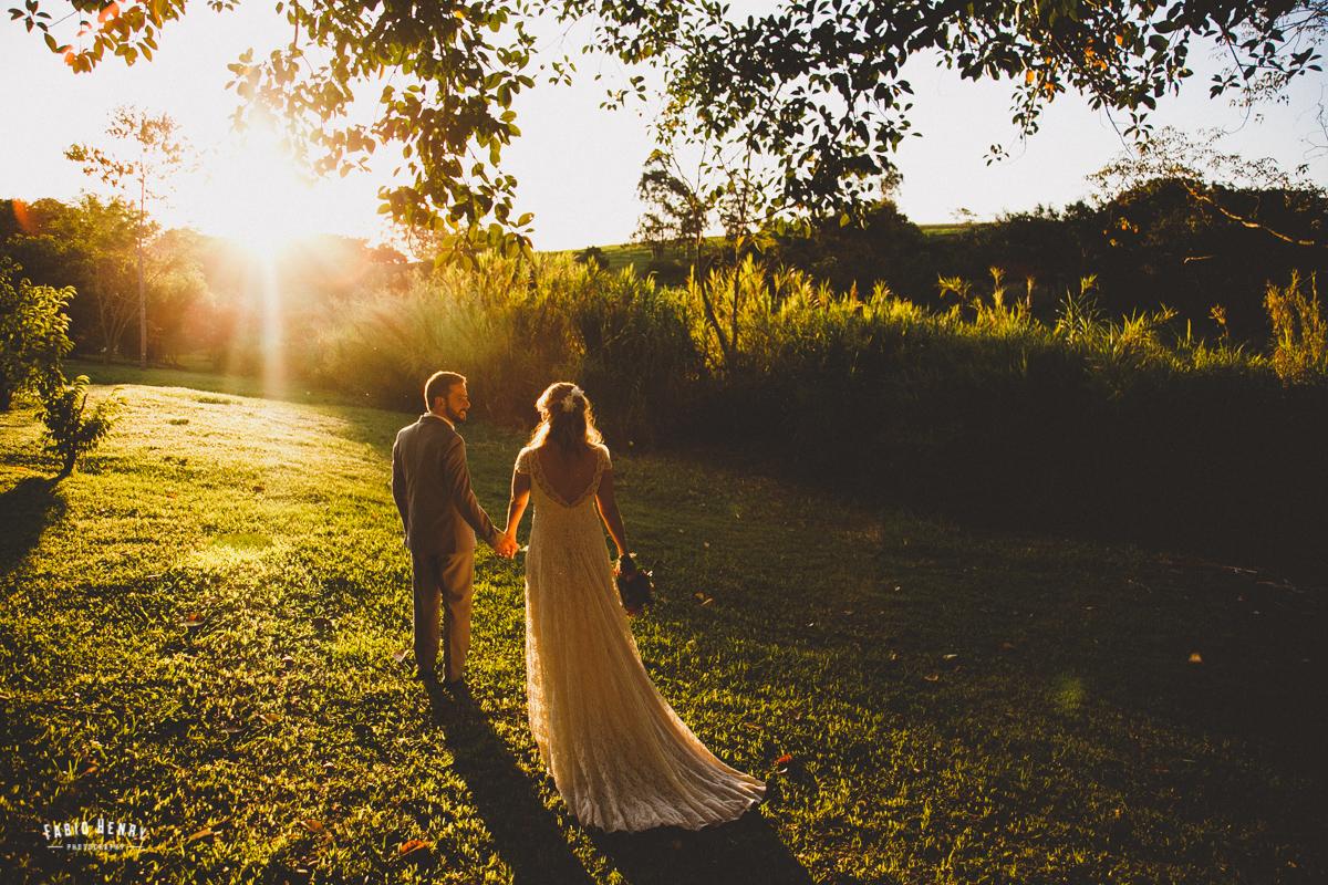 foto do casal no por do sol